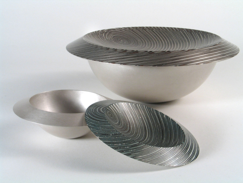 2 Spun silver Bowls with Mokume Gane lids made from 7 layers of silver copper and gilding metal. Ht 7.5cm, Dia 20cm and Ht 4cm, Dia 11cm